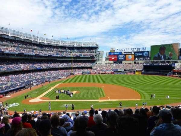Yankee Stadium, secção: 216, fila: 14, lugar: 8