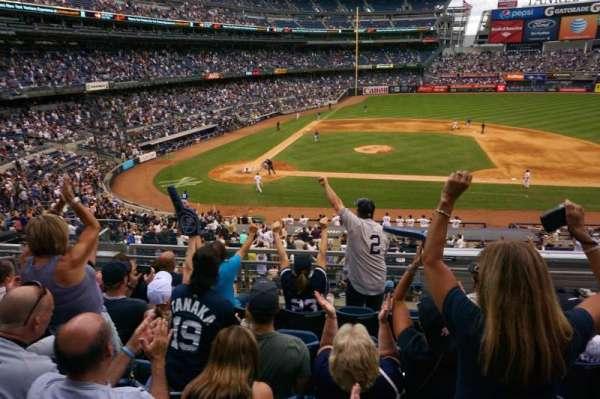 Yankee Stadium, secção: 216, fila: 6, lugar: 214