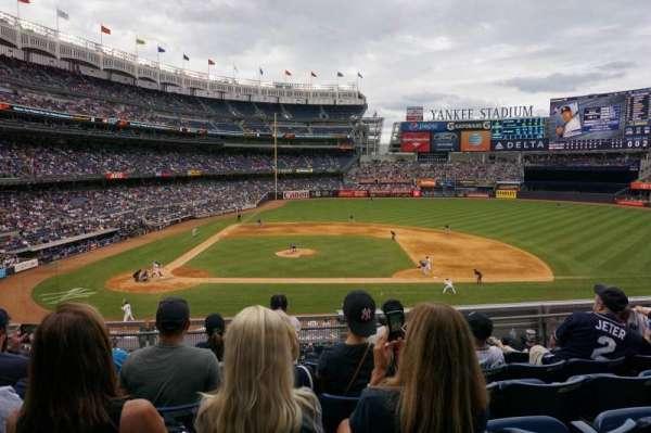 Yankee Stadium, secção: 216, fila: 6, lugar: 14