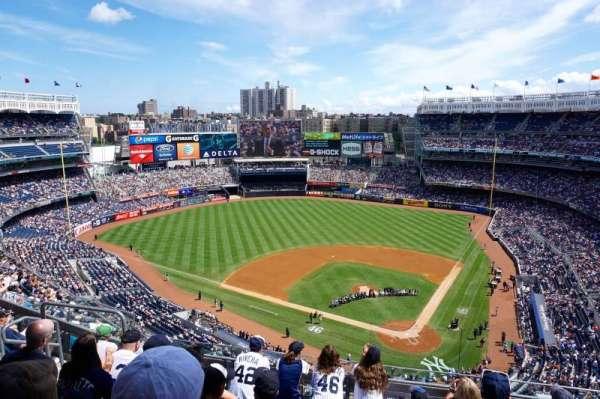 Yankee Stadium, secção: 421, fila: 6, lugar: 14