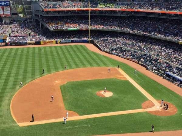 Yankee Stadium, secção: 425, fila: 3, lugar: 3