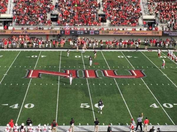 Huskie Stadium, secção: D, fila: 49, lugar: 39