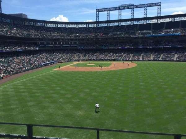 Coors Field, secção: 205, fila: 2, lugar: 6