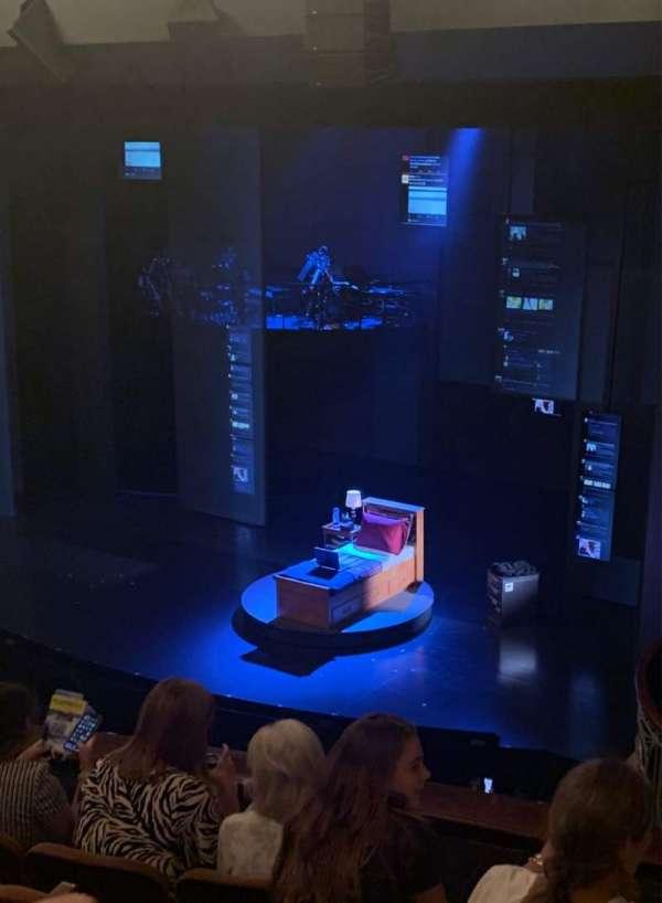Music Box Theatre, secção: Mezz, fila: E, lugar: 26