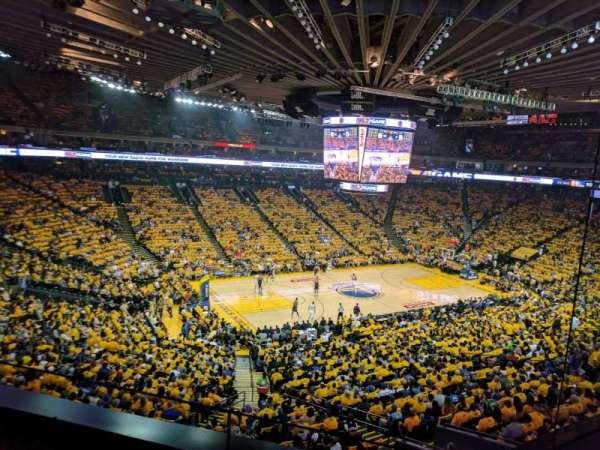 Oakland Arena, secção: M15, fila: 2