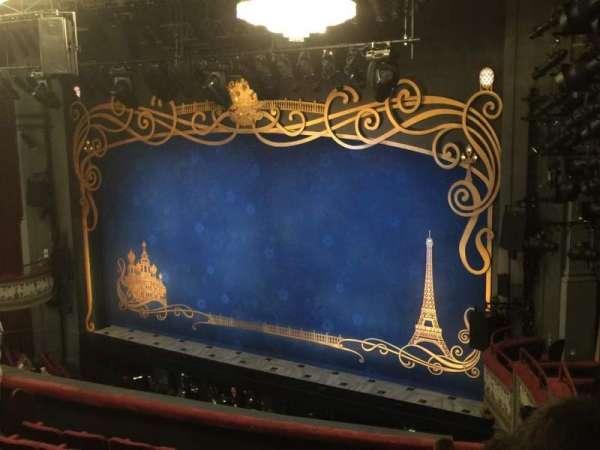 Broadhurst Theatre, secção: Mezzanine C, fila: J, lugar: 28