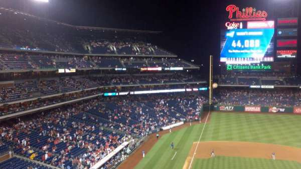 Citizens Bank Park, secção: 316, fila: 2, lugar: 18