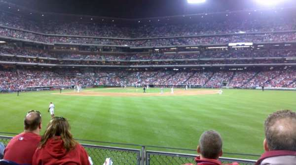 Citizens Bank Park, secção: 102, fila: 4, lugar: 7