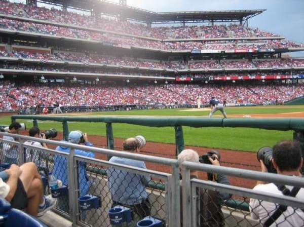 Citizens Bank Park, secção: 115, fila: 2, lugar: 4