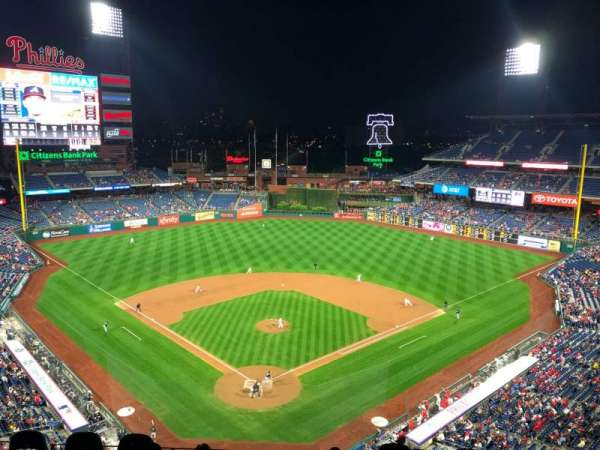 Citizens Bank Park, secção: 420, fila: 2, lugar: 15