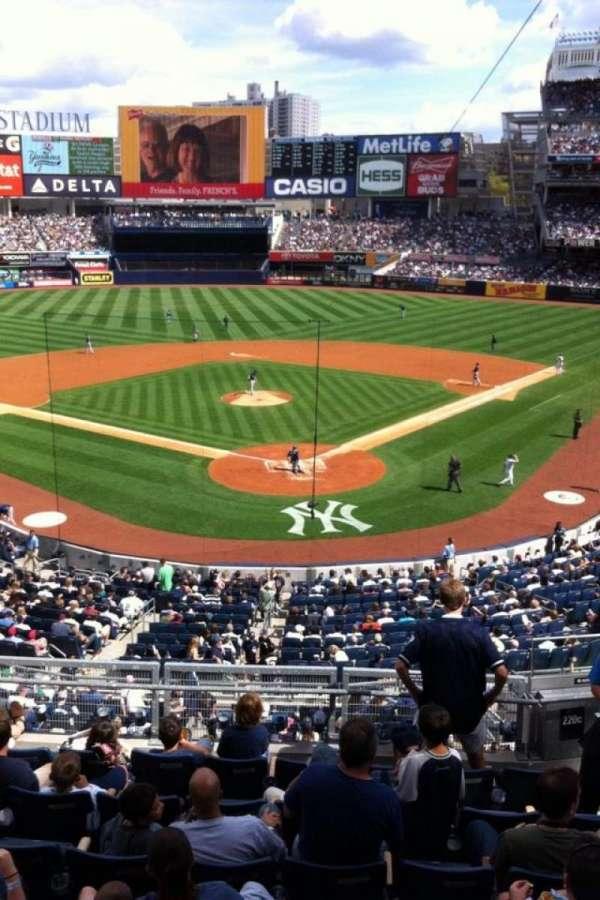 Yankee Stadium, secção: 220a, fila: 1, lugar: 1