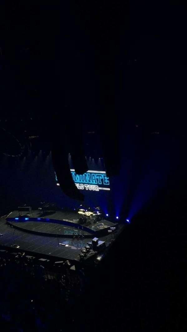 Amalie Arena, secção: 302, fila: D, lugar: 4