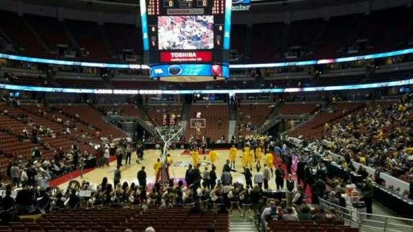 Honda Center, secção: 215, fila: N, lugar: 1