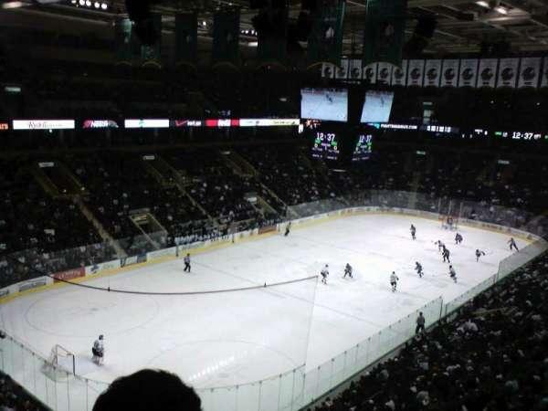 Ralph Engelstad Arena, secção: 311, fila: F, lugar: 16