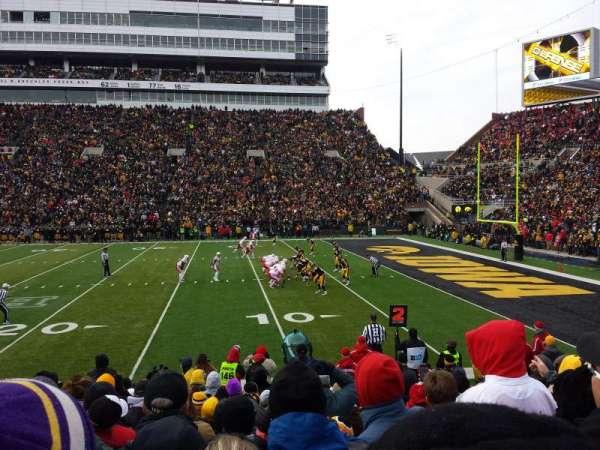 Kinnick Stadium, secção: 103, fila: 14, lugar: 14