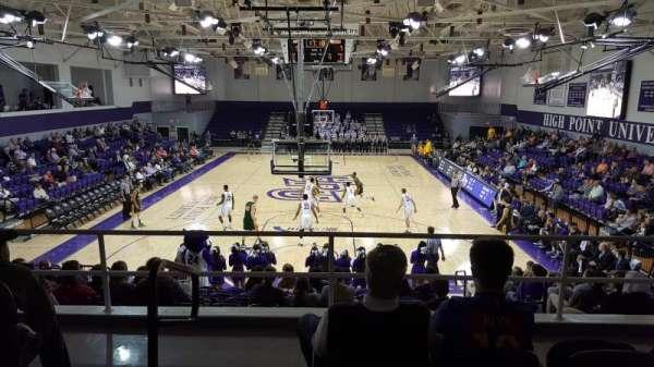 Millis Athletic Convocation Center , secção: 201, fila: D, lugar: 21
