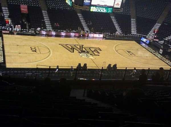 Lawrence Joel Veterans Memorial Coliseum, secção: 222, fila: RR, lugar: 13