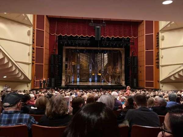 Uihlein Hall, secção: Orchestra, fila: X, lugar: 20