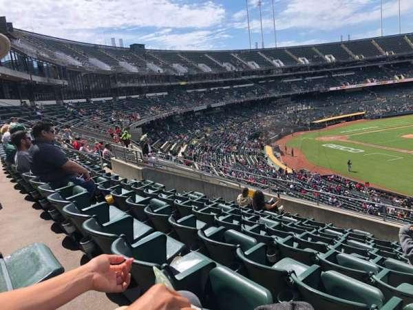 Oakland Coliseum, secção: 208, fila: 9, lugar: 1