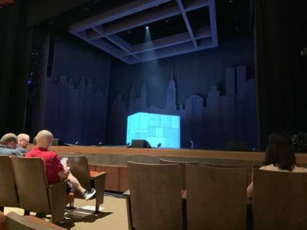 Knight Theater, secção: ORCH R, fila: C, lugar: 103