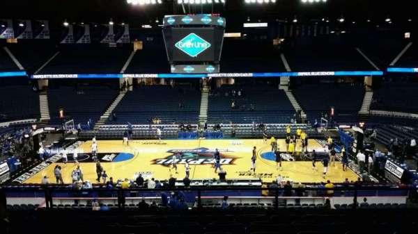 Allstate Arena, secção: 210, fila: G, lugar: 28