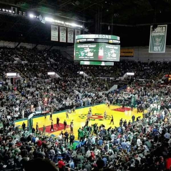 UW-Milwaukee Panther Arena, secção: 329, fila: 11, lugar: 16