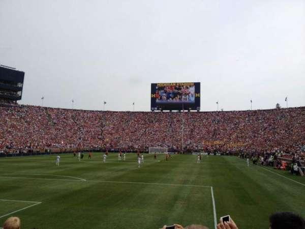 Michigan Stadium, secção: 31, fila: 3, lugar: 1