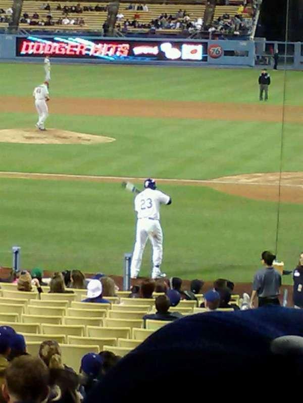 Dodger Stadium, secção: 9FD, fila: S, lugar: 2