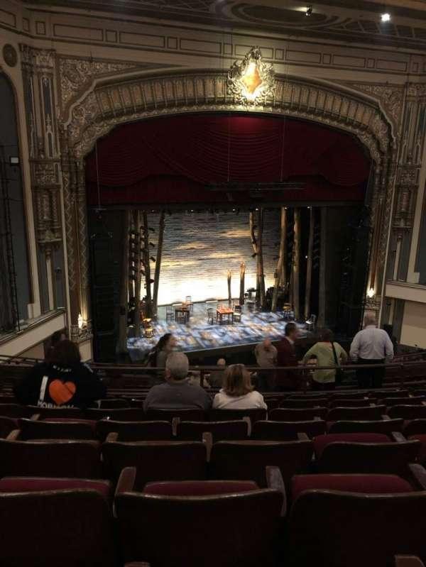 Golden Gate Theatre, secção: Mezzanine L, fila: H, lugar: 23