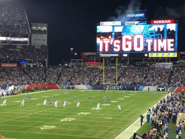 Nissan Stadium, secção: 143, fila: GG, lugar: 16