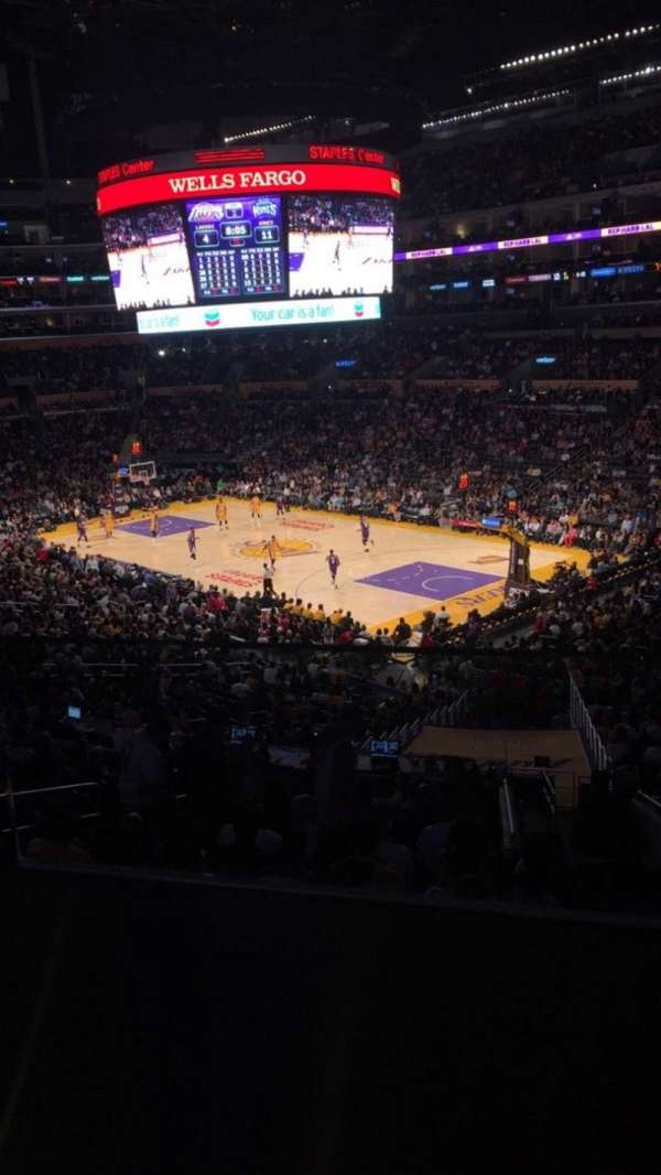 Staples Center, secção: Suite A2, fila: GA, lugar: 8