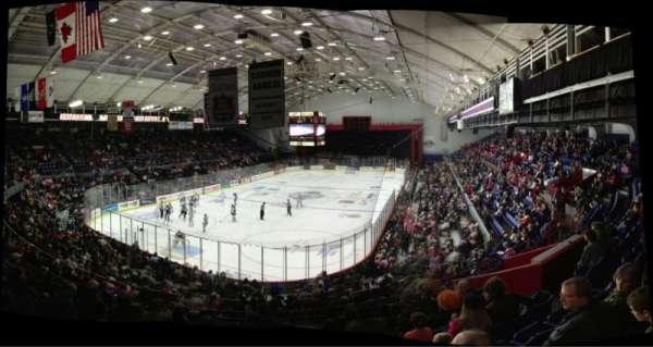 Upstate Medical University Arena, secção: 11, fila: L, lugar: 8