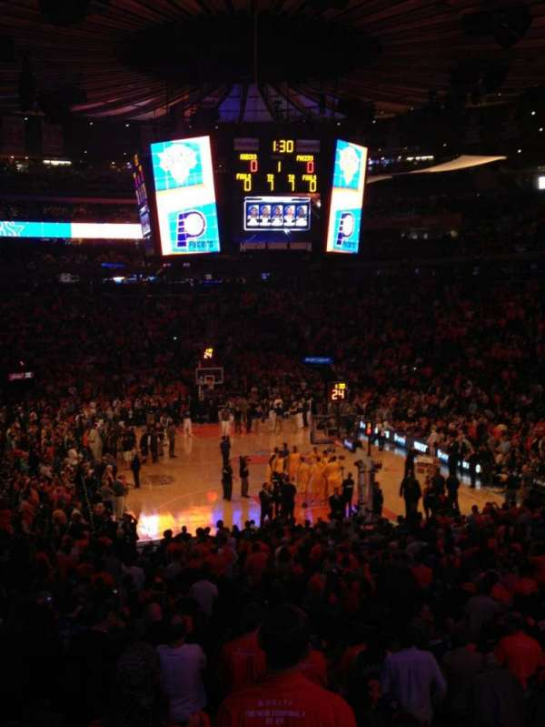 Madison Square Garden, secção: 101, fila: 19, lugar: 19