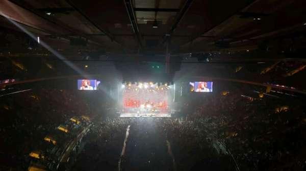 Madison Square Garden, secção: 305, fila: 1, lugar: 3