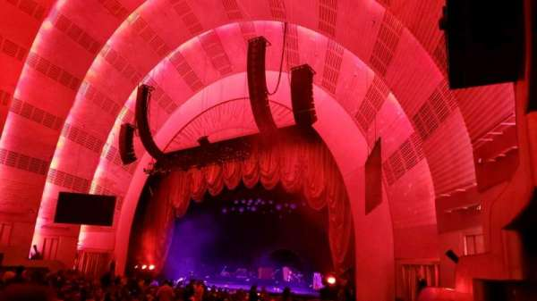 Radio City Music Hall, secção: Orchestra 1, fila: E, lugar: 104