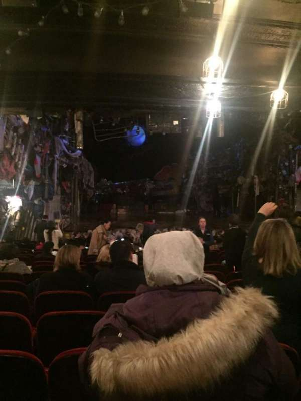 Neil Simon Theatre, secção: Ochestra, fila: T, lugar: 12