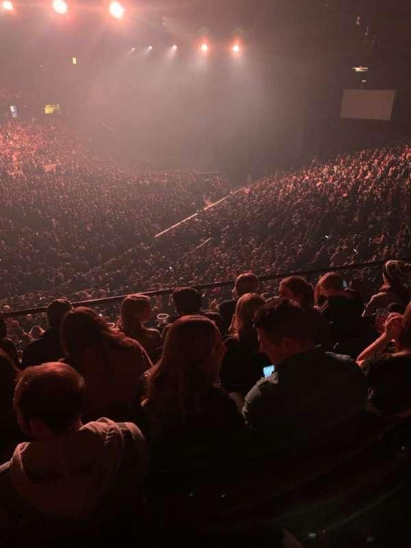 Allstate Arena, secção: 213, fila: E, lugar: 26-27