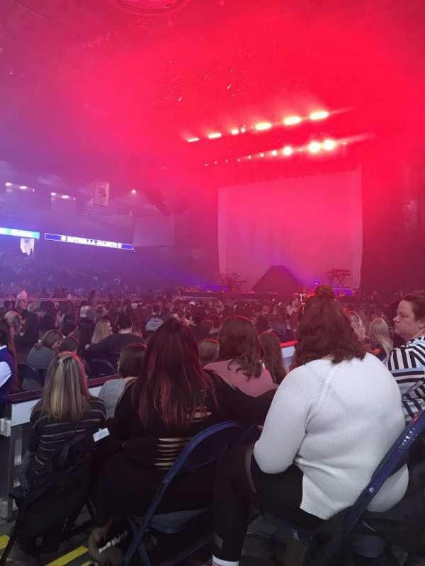 Allstate Arena, secção: 212, fila: 3, lugar: 1-2