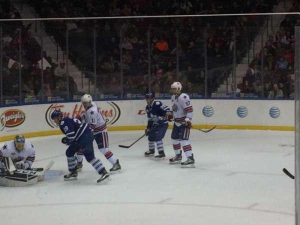Blue Cross Arena, secção: 122, fila: 6, lugar: 8