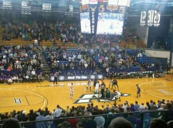James A. Rhodes Arena, secção: 3A, fila: H, lugar: 8