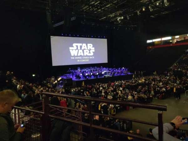 Manchester Arena, secção: 106, fila: M, lugar: 1