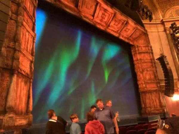 St. James Theatre, secção: Orchestra L, fila: G, lugar: 13