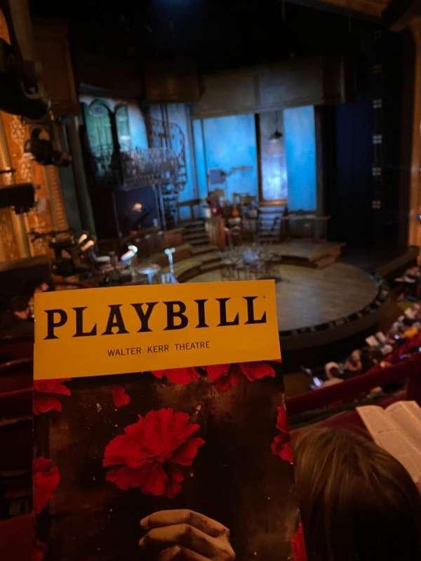 Walter Kerr Theatre, secção: Mezzanine L, fila: B, lugar: 23