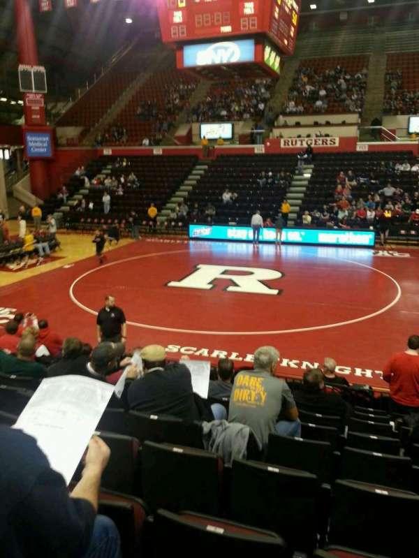 Louis Brown Athletic Center, secção: 104, fila: J, lugar: 5