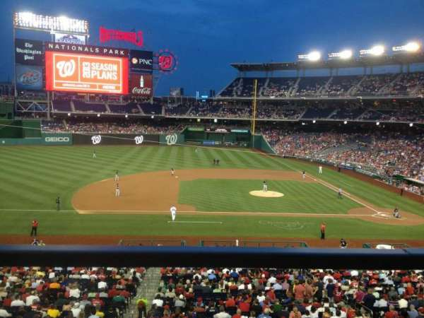 Nationals Park, secção: 208, fila: A, lugar: 11