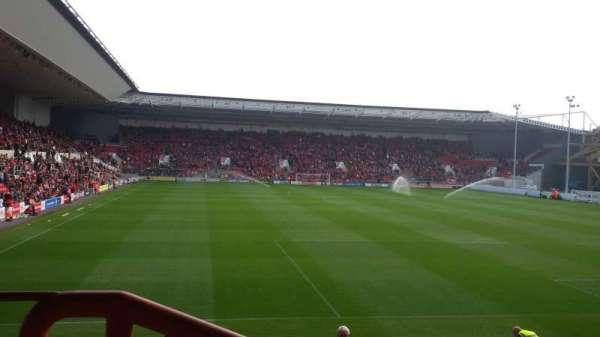 Ashton Gate Stadium, secção: Atyeo Stand