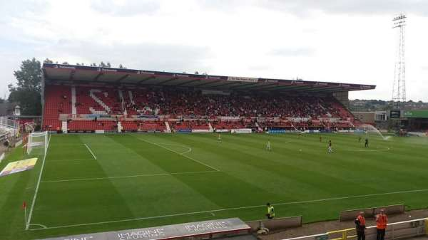 County Ground, secção: Arkells Stand