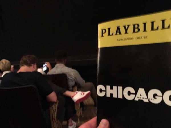 Ambassador Theatre, secção: Orchestra R, fila: B, lugar: 2