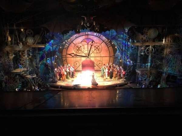 Gershwin Theatre, secção: FMEZZ, fila: A, lugar: 108