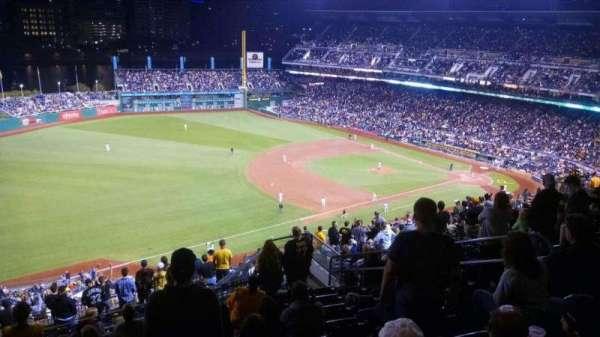PNC Park, secção: 330, fila: S, lugar: 10